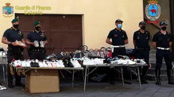 Maxi sequestro di merce contraffatta nel centro storico di Catania