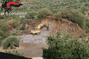 Ragalna, sequestrata cava abusiva in area sottoposta a vincolo paesaggistico