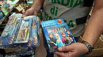 Misterbianco, giocattoli e articoli per la scuola contraffatti. Denunciati 2 cinesi
